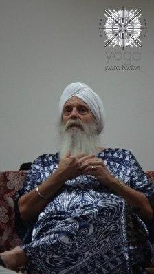 Hari Nam Singh Khalsa en conversatorio con nosotros el sábado en la noche.